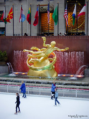 Rockefeller Centre (Tony Hodson Photography) Tags: new youk city street life empire state building rockefeller ice rink nypd downtown cityscape 911 memorial