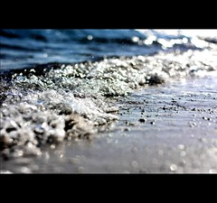 What you see depends on what you're looking for. (*karla) Tags: sea summer canon rebel 50mm dof bokeh wave explore frontpage