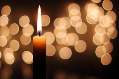 [フリー画像] テクスチャ・背景, 火・炎, ろうそく・キャンドル, 光・ライト, 201012010700
