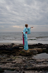 Beeb and the dolphins (Housework is evil) Tags: beach coastline kimono beeb dolphinsthatyoucantsee