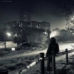 Zn city light (Le***Refs *PHOTOGRAPHIE*) Tags: light bw white black fog night nikon smoke nb explore nimes frontpage nuit hlm brume immeuble 1600iso zn d90 fumé zupnord lerefs