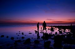 Light Catchers (j3k2) Tags: beach kuwait nikon1424f28 lee09nd nikond3s leesw150