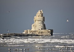 Frozen Cleveland Lighthouse (3) [Explored] (Albino ) Tags: lighthouse west castle harbor frozen sand cleveland explore pierhead