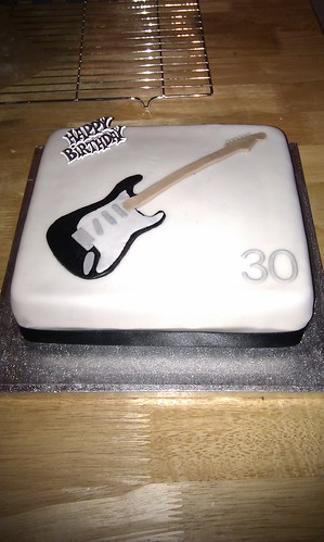 Anyway Here Are Is The Cake I Was Up Until Midnight Last Saturday Making Icing Guitar