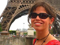 autoritratto Parigi (Kristel Van Loock) Tags: portrait selfportrait paris france smile eiffeltower latoureiffel autoritratto frankrijk francia sourire parijs parigi eiffeltoren latorreeiffel