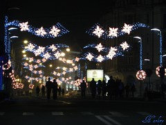 a walk toward the Christmas (Harlory) Tags: light luz night noche licht camino nacht walk lumire silhouettes nuit wandern luce marche craiova    lanotte  apiedi