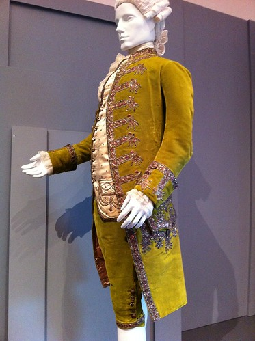 LACMA silk & velvet coat & breeches (1780-85)