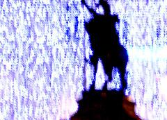 statue et lumire de nol (alainalele) Tags: camera winter france digital toy hiver internet creative commons nancy bienvenue lorraine licence presse bloggeur paternit