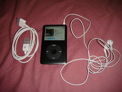 Apple iPod classic 80G black (zikay's photography(no PS)) Tags: apple ipod headphone