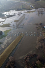 SMS_20110110_299.jpg (Luchtfotografie SiebeSwart.nl Aerial Photography) Tags: nature netherlands river landscape flooding nap flood beek transport nederland aerialview tunnel rivers aerialphoto highwater luchtfoto overstroming landschap roer rivier inundation a73 waterlevel risingwaters risingwater rivieren hoogwater riviertje beekje wateroverlast normaalamsterdamspeil waterstand rainriver waterspiegel roerdal waterheight waterhoogte overstromen regenrivier waternuisance waterwerkenalgemeen waterwerkenrivier verkeerenvervoerauto amsterdamordnance hoogwatergolf