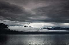 (aka malec) Tags: travel autumn summer sky sun lake snow mountains cold grass norway fog stone clouds rocks glacier valley fiord gry dolina nieg soce jesie mga turist lodowiec trawa kamie jezioro skay chmury niebo sightsee lato norwegia podr zimno turysta zwiedza