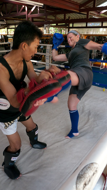 female training at rawai muay thai