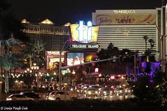 Las Vegas CES Photo Essay-4 (dpanyikdale) Tags: las vegas night canon eos rebel photo essay treasureisland nightshot lasvegas streetscene mirage thestrip nightphoto ces f28 tradeshow efs60mm lasvegasstrip wynnhotel 2011 efs60mmf28macro efs60mmf28 t1i canonrebelt1i