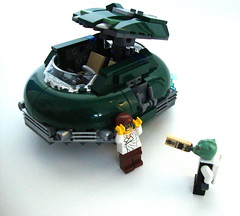 """""""do you know why i pulled you over?"""" (aabbee 150) Tags: lego 5000 jetson"""