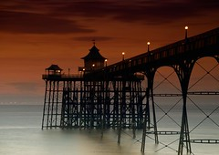 Clevedon (Scott Howse) Tags: uk sunset england beach coast pier dusk somerset lee filters graduated clevedon 09h