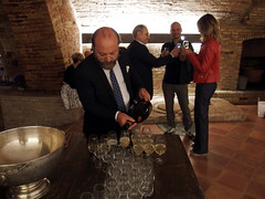 La Marchesa & d'Arapr (Sparkling Wines of Puglia) Tags: party battesimo cantina spumante louisrapini