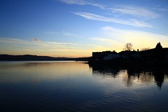 Sunset Inveraray (Tracy McCulloch) Tags: sunset sun reflection landscape scotland argyll loch inveraray lochfyne