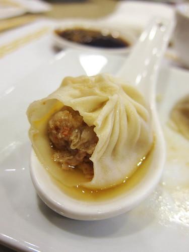 Six Taste Delicious Dumpling Tour:  Din Tai Fung