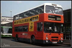 Keeping your options open. (Zippy's Revenge) Tags: bus manchester transport piccadilly dennis 2021 netto dominator greatermanchester gmbuses northerncounties b21tvu