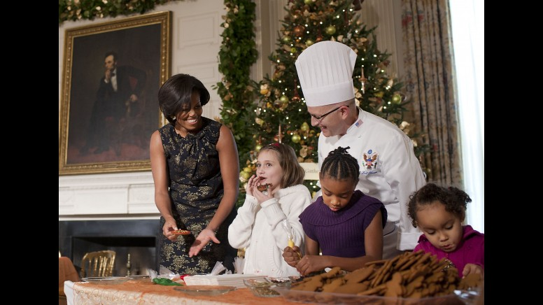 Decorating holiday cookies with the First Lady
