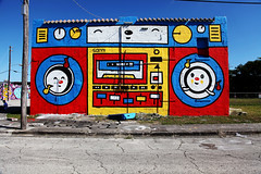 Sonni Boombox - Art Basel 2010 (jamie nyc) Tags: streetart graffiti modernart vandalism gothamist aerosolart krylon rustoleum spraypainting vandalismo strassenkunst miamiflorida wynwood montanagold ironlak outlawart easterndistrict strasenkunst miamiartbasel primaryflight photobyjimkiernan edclan artbasel2010