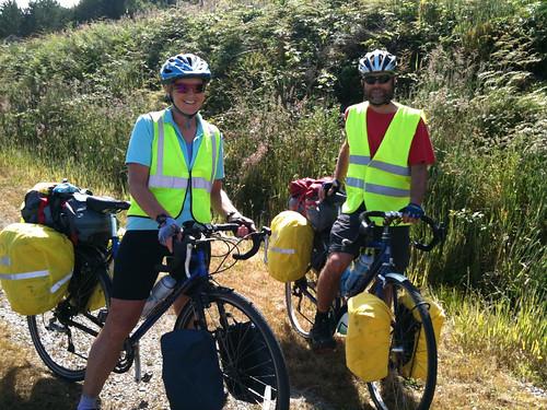カナダ人サイクリストのイアンさんとバーバラさん
