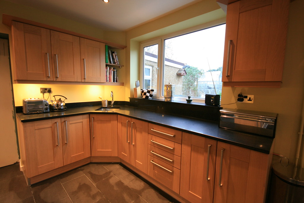 Beech Kitchen Dark Worksurface What Colour Flooring