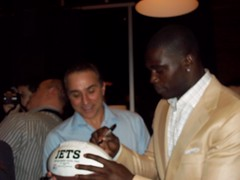 Dinner With the jets Morderne Barne Make A Wis...