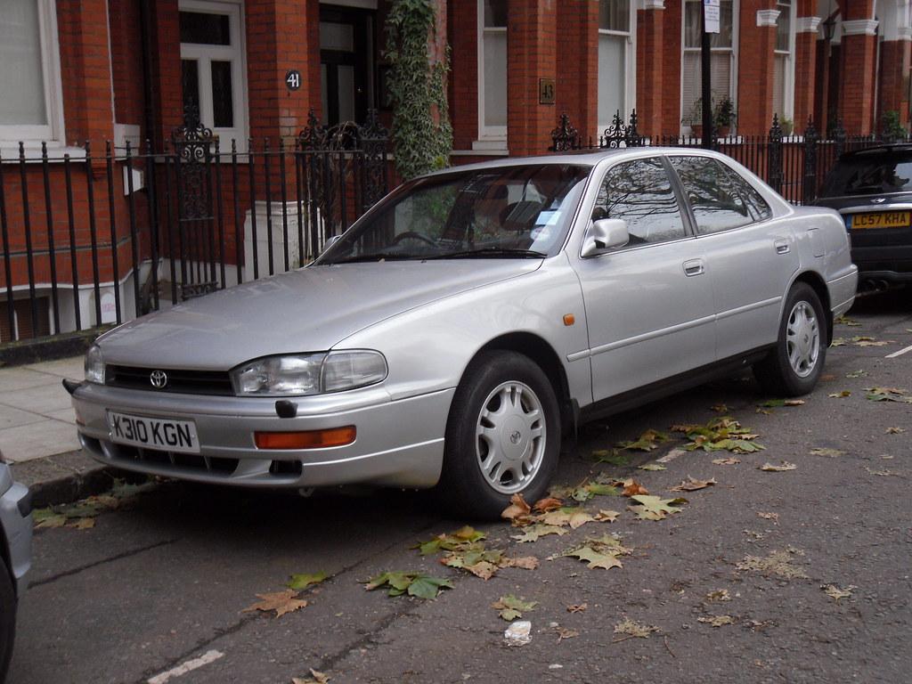 1992 Toyota Camry 3.0i GX V6 Saloon.