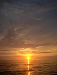 Gulf of Mexico Sunset (trisgti) Tags: sunset sea sky orange usa cloud reflection gulfofmexico water america us unitedstates florida sony cybershot fl captiva dsct9