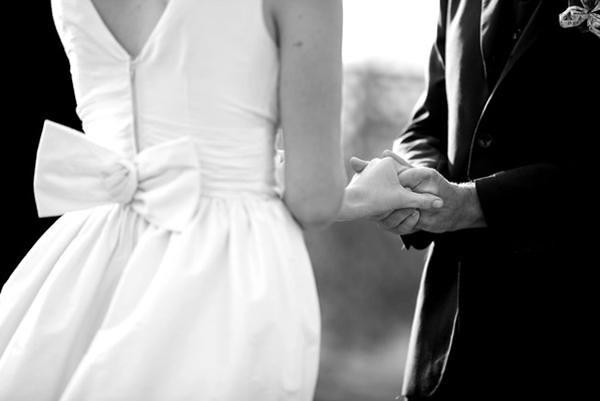 bow-wedding-dress