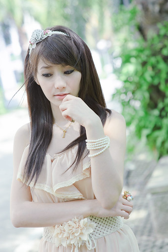 [フリー画像] 人物, 女性, アジア女性, ドレス, タイ人, 201101310900