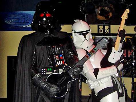 darth-plays-guitar-hero