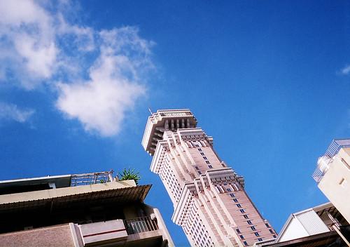 藍天白雲五十樓