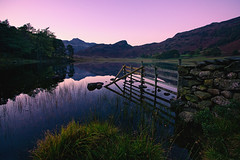 cumbrian twilight (Dennis_F) Tags: uk england mountain lake reflection water zeiss landscape mirror evening twilight mood district sony wide cumbria fullframe alpha dslr tarn landschaft ultra ssm 850 blea 1635 uwa abends bleatarn weitwinkel ultrawideangle cumbrian gewsser uww a850 163528 sonyalpha sonydslr vollformat zeiss1635 sal1635z cz1635 sony1635 dslra850 sonya850 sonyalpha850 alpha850 sonycz1635