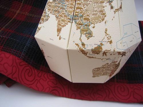 serviettes + globe