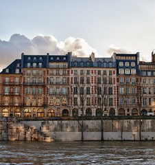~ on the banks of the Seine ~ sur les quais ~ (Janey Kay) Tags: winter sunset sky paris water seine high fisherman dusk hiver january himmel ciel cielo pcheur janvier innondation januar sine crue coucherdusoleil 2011 fishingontheseine janeykay nikkor35mm18 nikond300s jkxmas highwaterontheseine