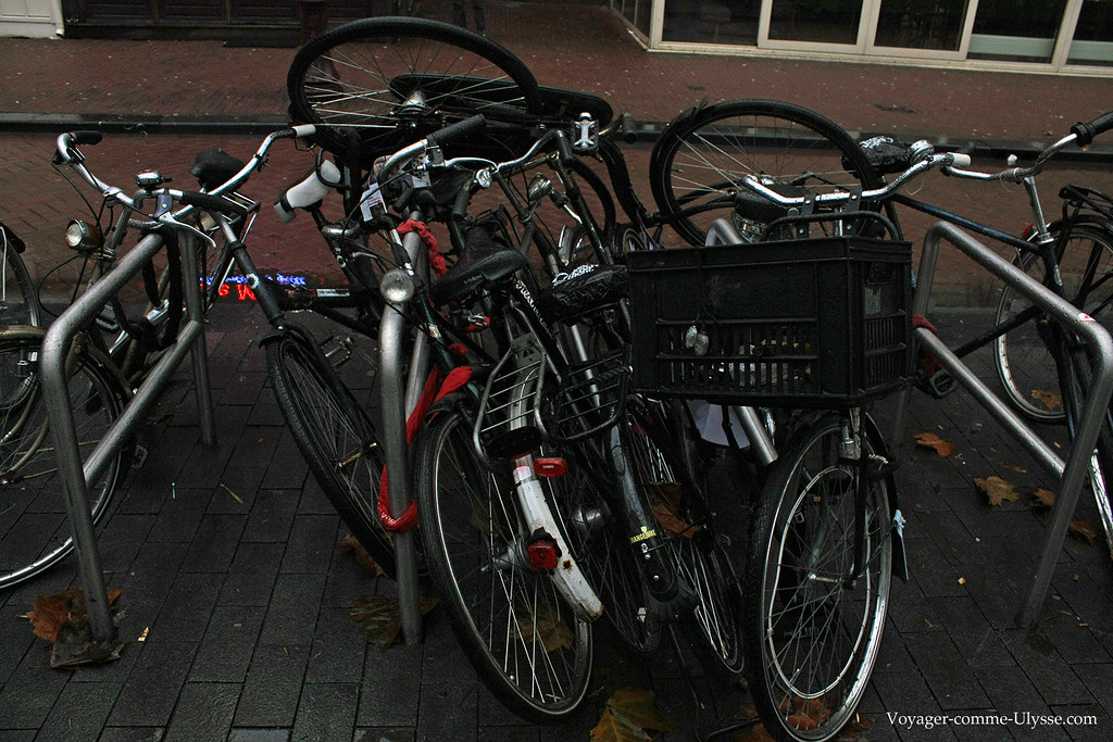 Comment je fais si je veux retirer la bicyclette du milieu?