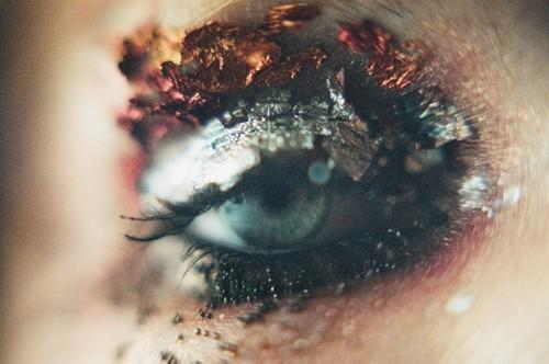 1 eye