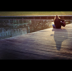 Day Nineteen (ODPictures Art Studio LTD - Hungary) Tags: shadow portrait girl mood sundown guitar bank part 365 naplemente gödör klub tér lány gitár bernus árnyék deák orbandomonkoshu