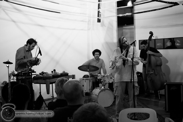 Seesaw Ensemble at Space 4 Art 11811 © Michael Klayman-001