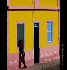 Au village de Rabil (a.vigourouxvillard (Back from Tenerife)) Tags: voyage africa street travel pink portrait colors smile rose jaune island couleurs ile bleu rue enfant sourire couleur nationalgeographic afrique capvert colorphotoaward flickraward flickgoldaward universalelite panasonicdmcg1 flickraward5 mygearandme mygearandmepremium mygearandmebronze mygearandmesilver mygearandmegold mygearandmeplatinum mygearandmediamond flickrawardgallery