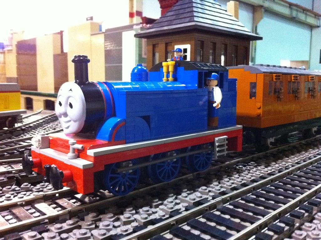 10 Wide LEGO Thomas