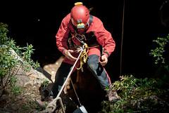 Voilà... senza mani!! (Vanesya) Tags: canyoning corda esercitazione armo speleologia cavaromana nuxis speleologo gsags vanesya gruppospeleoarcheologicogiovannispano