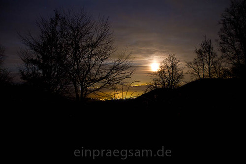 Harzblick vom Kyffhaeuser aus gesehen bei Mondlicht