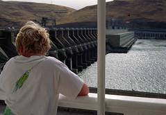 Dam -- Columbia River (PositiveAboutNegatives) Tags: leica boy film river 50mm kodak dam sl summicron 11215 leicaflex leitz 50mmsummicron leicar leicaflexsl leicafilmphotography freefilmimages freefilmpictures