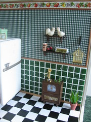 The tv set (Retro Mama69) Tags: toys dollhouse greenkitchen retrokitchen rementminiatures metalkitchen miniaturetv miniaturekitchen kitchendollhouse collectionminiatures miniatureradio kitchendiorama vintagetintoykitchen kitchenroombox superiortcohnkitchen superiorkitchentoy miniaturefridge