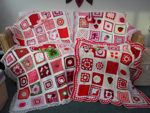 Our 4 'Strawberry and Cream' Challenge SIBOLS! All finished! Thank you for the beautiful Squares!