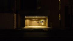 無人の立体駐車場
