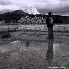 """Sky & Earth"" - ""Ciel & Terre"" (Corinne DEFER - DoubleCo) Tags: travel blackandwhite france reflection blancoynegro nature montagne reflections square landscapes noiretblanc altitude paca contraste provence nuages paysage enfant paesaggi reflets paysages paisagens landschaften carré 法国 saintevictoire carréfrançais corinnedefer updatecollection redmatrix magicsquarepoetry"